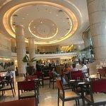 Photo de Courtyard Mumbai International Airport