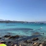 Photo de Spiaggia di Cala Sabina