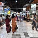 photos of Bogyoke Aung San Market