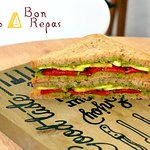 Veggie sandwich with pesto