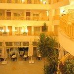 Golden Lotus Hotel ภาพถ่าย