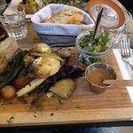 Plat : Demi coquelet & ses légumes