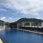 Photo de The ASHLEE Heights Patong Hotel & Suites