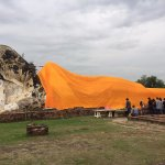 Photo de Temple of the Reclining Buddha (Wat Lokayasutharam)