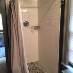 Agassiz room bath