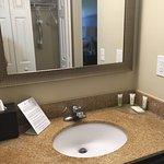 Photo de Staybridge Suites Savannah Historic District