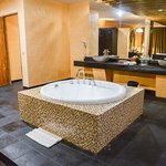 the relaxing bathtub at the Honeymoon Suite