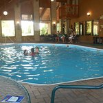 Photo de Baymont Inn & Suites Logan