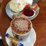 Scone, jam & cream / mugaccino