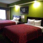 Photo de Days Inn & Suites Bonita Springs North Naples