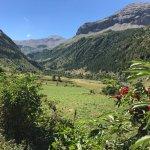 A quelques kilomètres, des départs de randonnée avec des vues magnifiques et... rafraichissantes