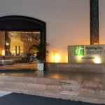 holiday-inn-penang-tower-entrance_large.jpg