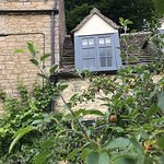 Acorn Cottage 4 double bedroom cottage adjacent to the Royal Oak Tetbury