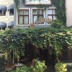 Photo de Cheers Hostel