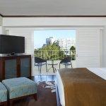 Diamond Head View Premium Room