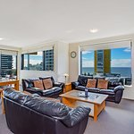 3 Bedroom Apartment - Mantra Broadbeach on the park