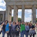 Nuestro grupo con Anabel,la guia de Cultourberlin