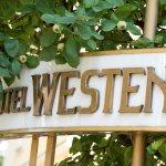 Westend Hotel resmi