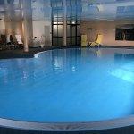 schöner Pool zum Schwimmen lernen ( 130 cm )