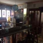 Acceuil et terrasse du Dragonfly hostel Lima