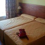 Dos camas individuales grandes y cómodas