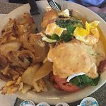 Eggs Benedict w/o English Muffin