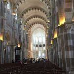 Foto de La Basilique Sainte Marie-Madeleine