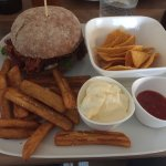 Pulled Chicken Burger (99 kr)