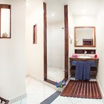 Hab#12 suite junior (baño)