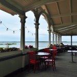 vue sur la mer de la terrasse du kuursaal de haapsalu