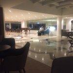 Foto de Queen's Bay Hotel