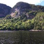 Fjord et monde de la Baie à L'anse Saint Jean.