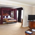 Suite with adjoining 2 x double room