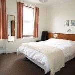 Pleasant, exceptionally clean ensuite double room.