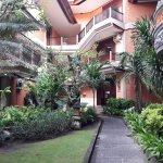 Adi Dharma Hotel Foto