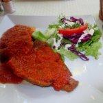 escalope façon à la Grecque sauce diabolique
