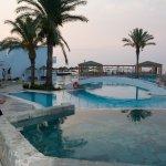 Foto de Avra Beach Resort Hotel - Bungalows