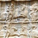 bas reliefs , victoires de Bahram II
