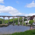 Train crossing the Calstock viaduct on the Tamar Valley Line