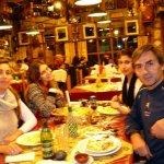 Cenando en Don Chiquino con mi familia