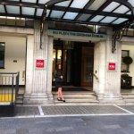 Photo of Hotel Riu Plaza The Gresham Dublin