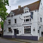 The White Horse Pub is a short distance from Loddington House.