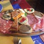 Photo de Antica Osteria di Montecarelli