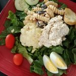 Cold plate with chicken salad and pasta salad