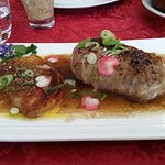 Pied s de cochon désosser et farci au foi gras