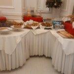 Area dolce del buffet colazione