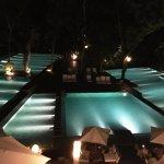Las distintas piscinas desde la terraza