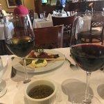 Excelente restaurante!!!! A massa é uma das melhores q já comi, feita na própria casa . Nota 10.