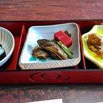イワナの付きだし、お寿司、甘露煮、南蛮