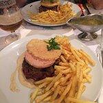 Le Rossi Style, avec ses frites à volonté, et la fameuse sauce Paradis (délicieuse)